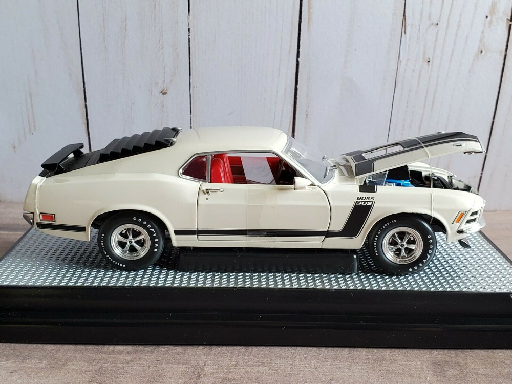 M2 Machines 1970 Ford Mustang Boss 302 1 24 Scale Diecast Model Car White Ebay In 2021 Ford Mustang Boss 302 1970 Ford Mustang Diecast Model Cars