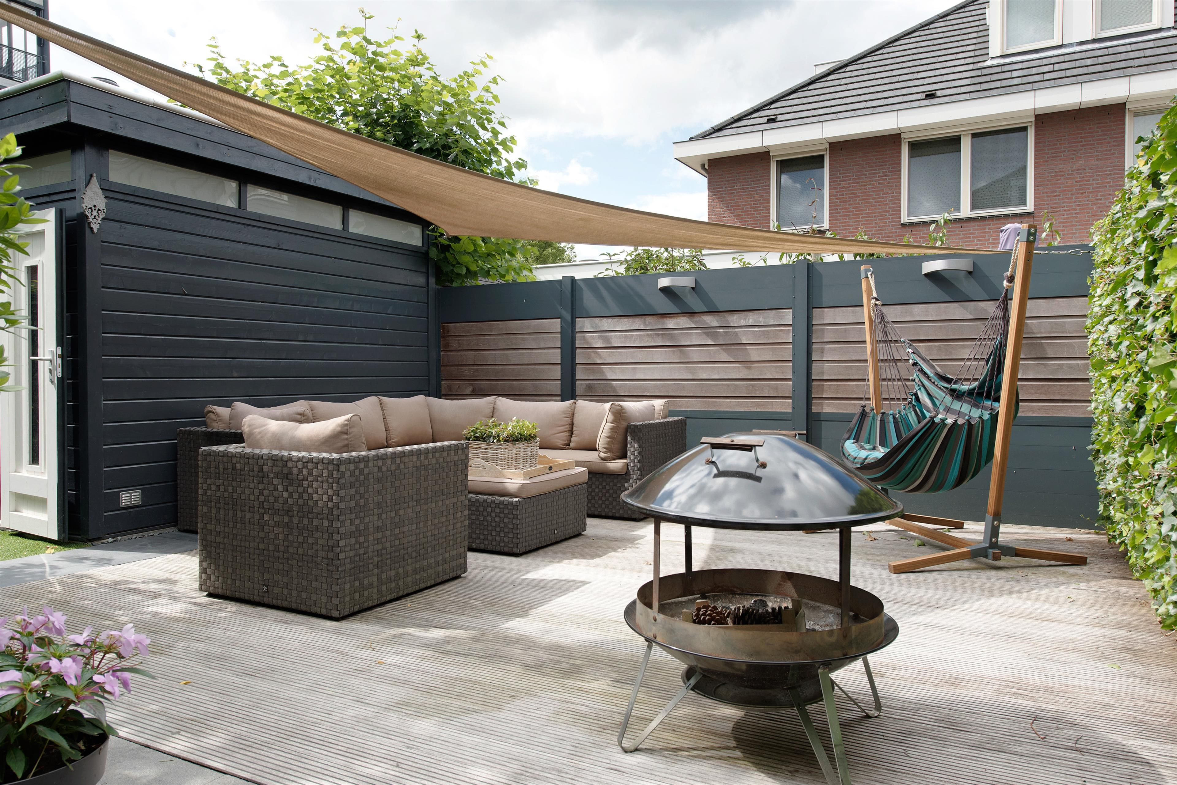 Heerlijke Tuin Vakantiegevoel : Wil je een eigen plekje in je tuin zet een fraaie hangmat neer of