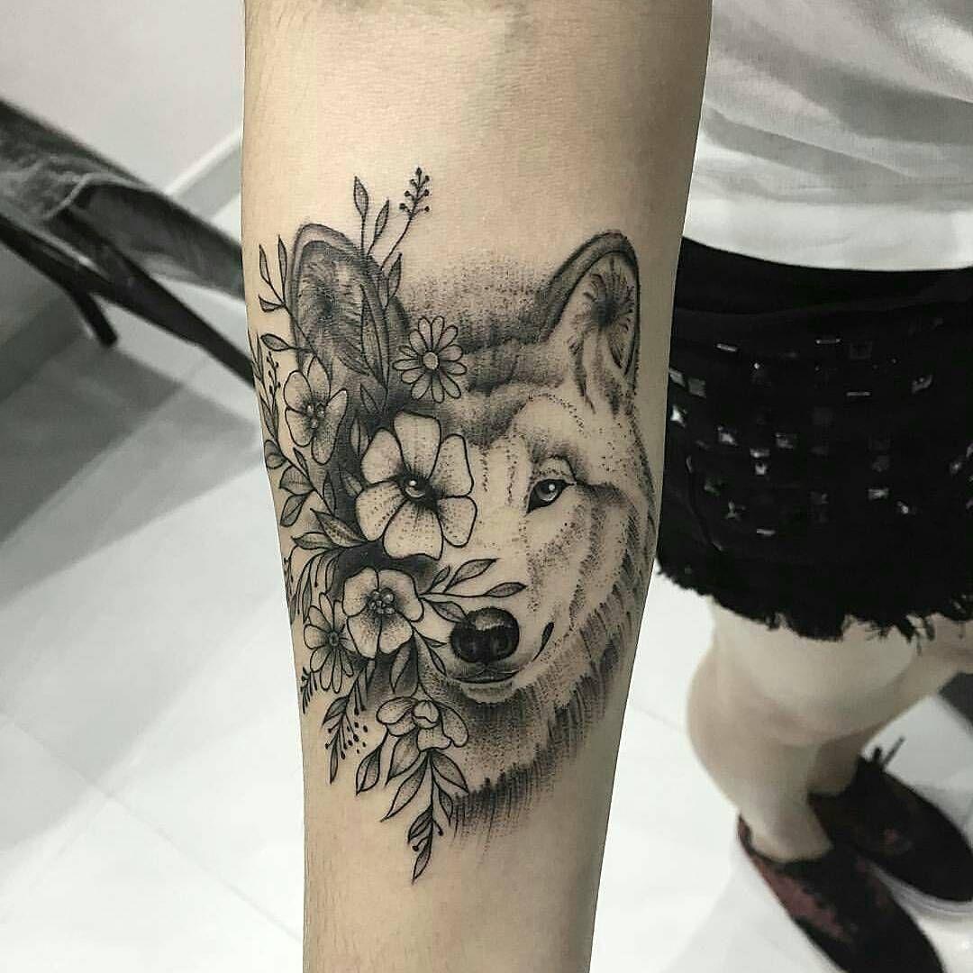 Lobo Y Flores Galeria De Tatuajes Ideias De Tatuagens Tatuagem