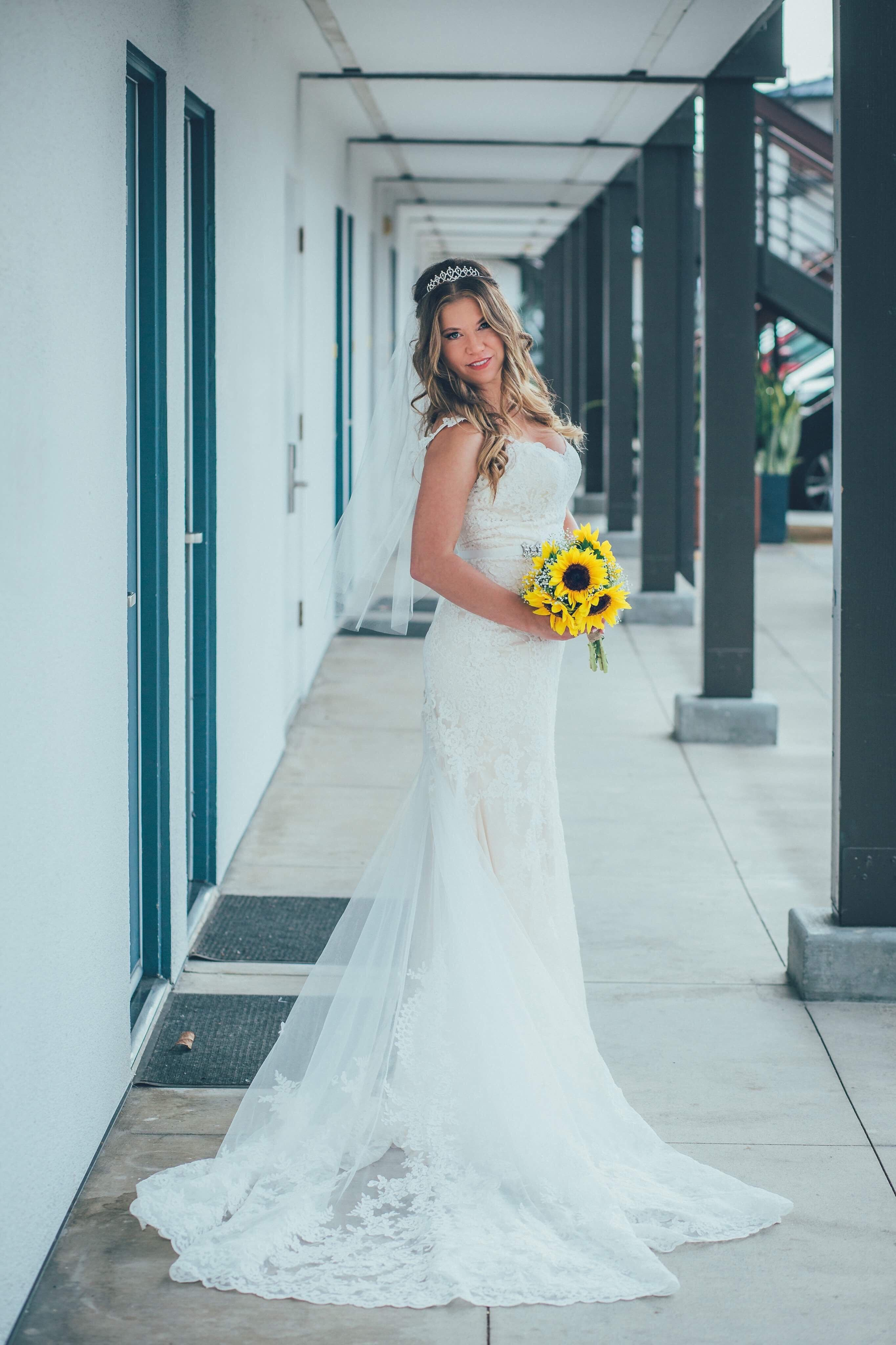 42+ Sunflower lace wedding dress info