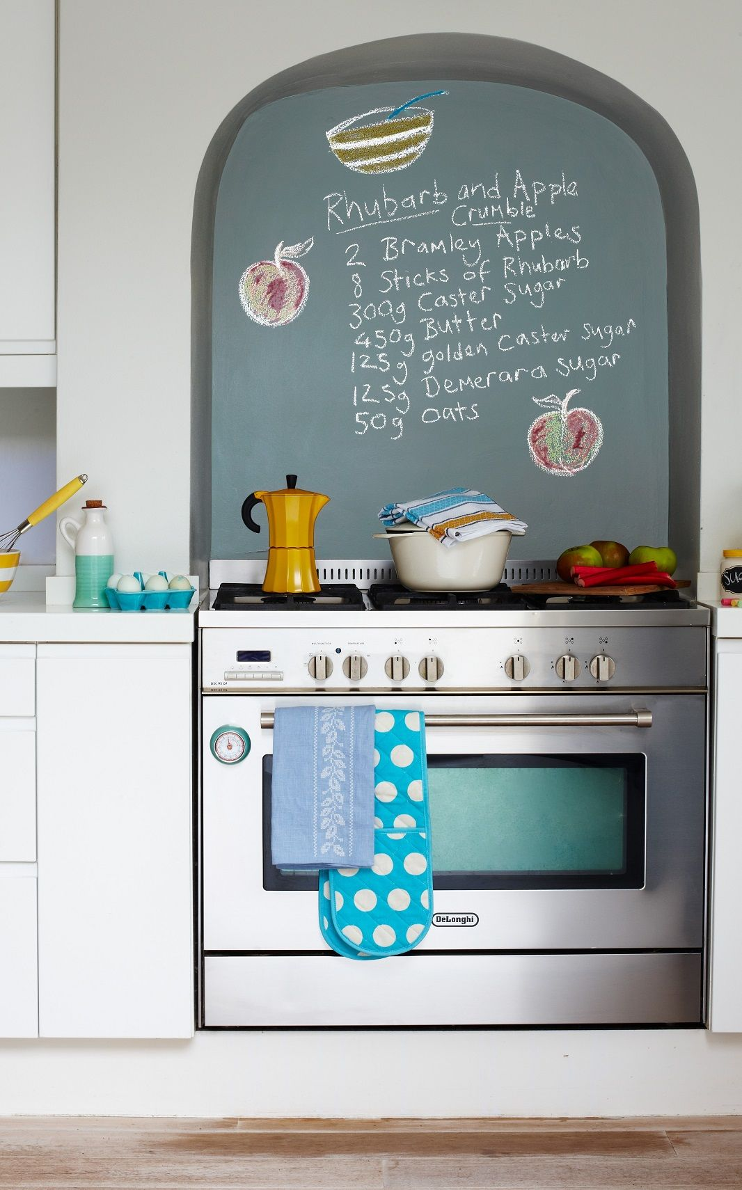 Personalise your splashback with innovative chalkboard paint from ...