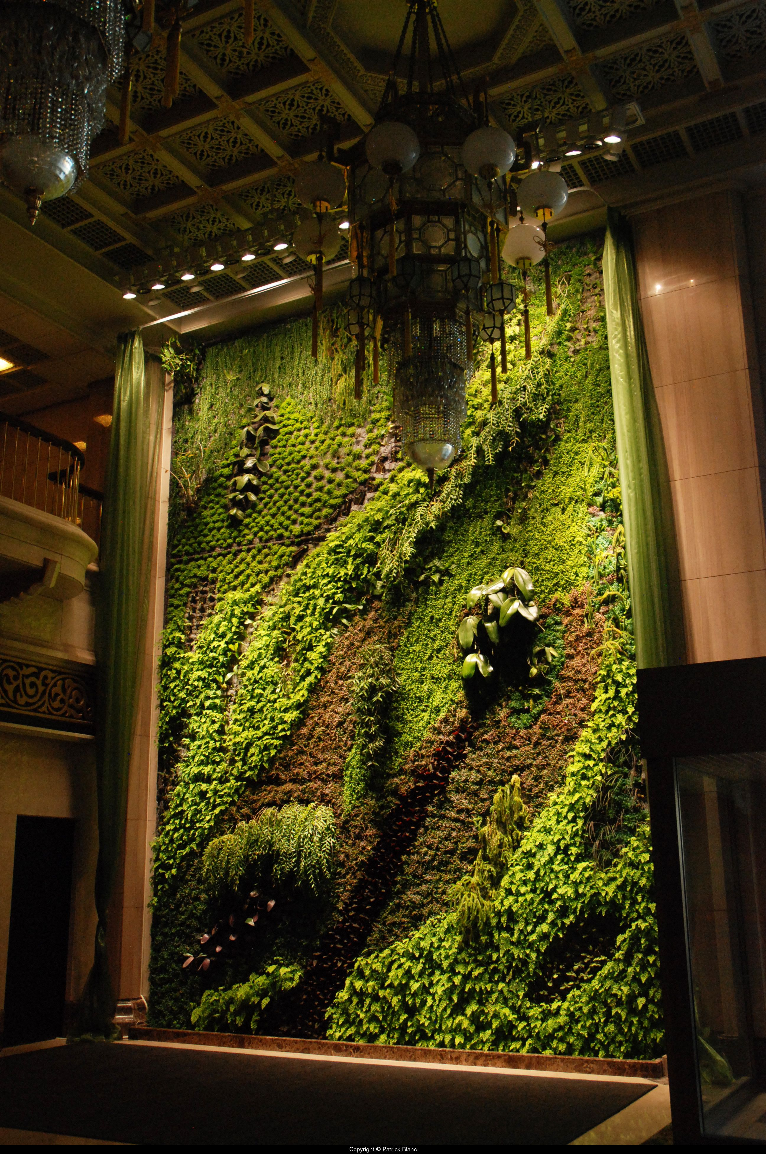 Vertical Garden  Wild Dance, National Theatre, Taipeh