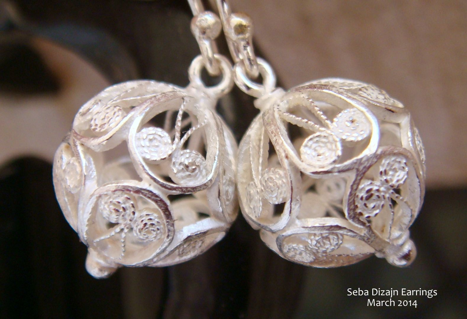Another pair of classic handmade filigree earrings from our 2014 collection.