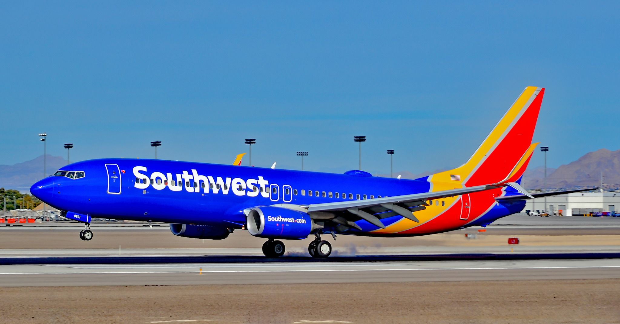 N8661A Southwest Airlines 2015 Boeing 7378H4 serial 36906