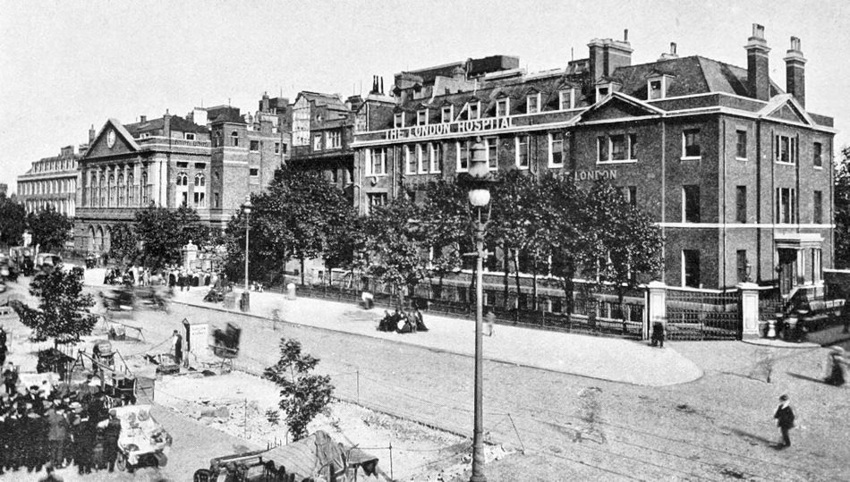The London Hospital From Whitechapel Road 1910 Old London Whitechapel London Street