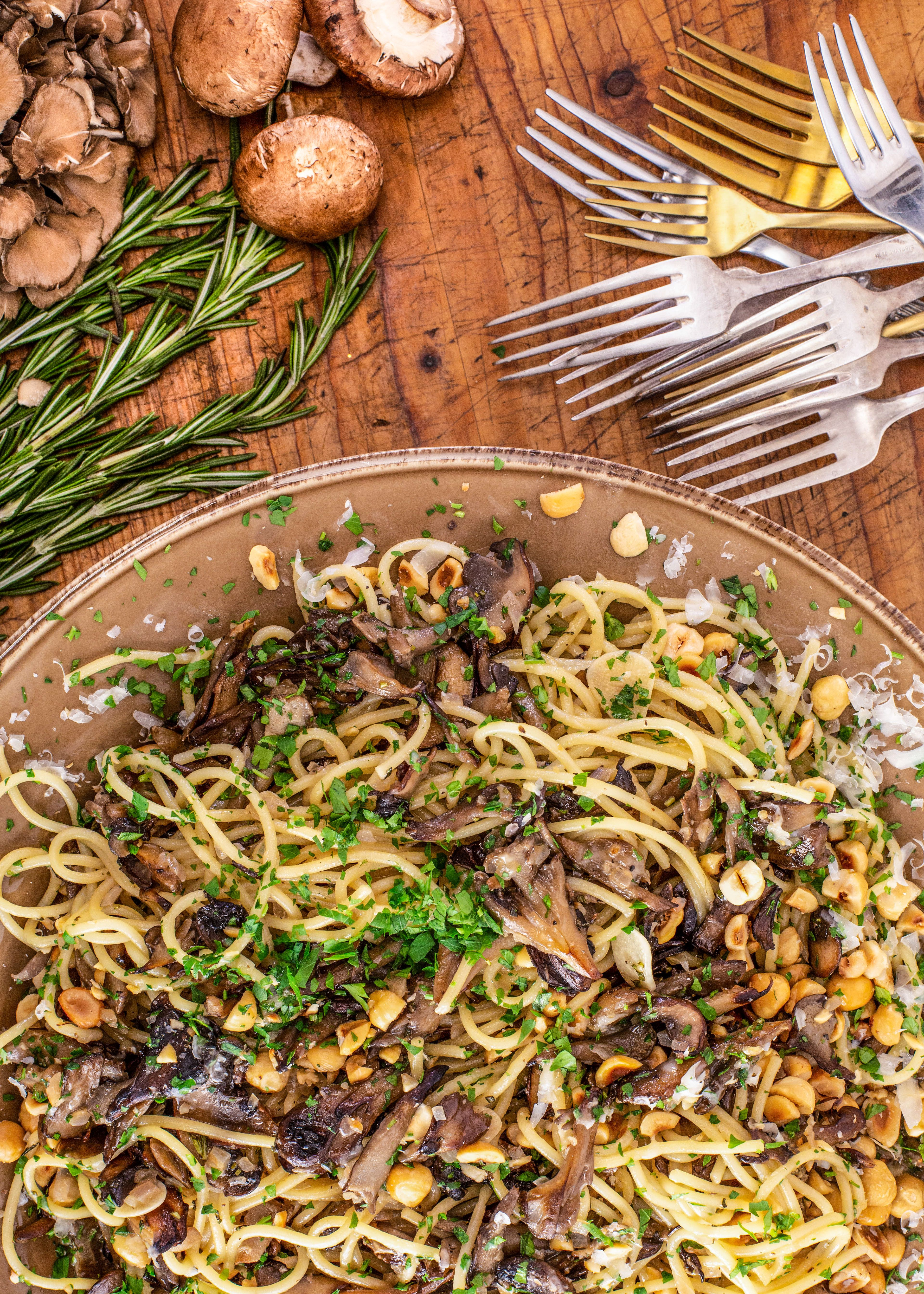 Rachael S Spaghetti With Mushrooms Marsala And Mascarpone Pasta Dinners Pasta Dishes Rachael Ray Recipes
