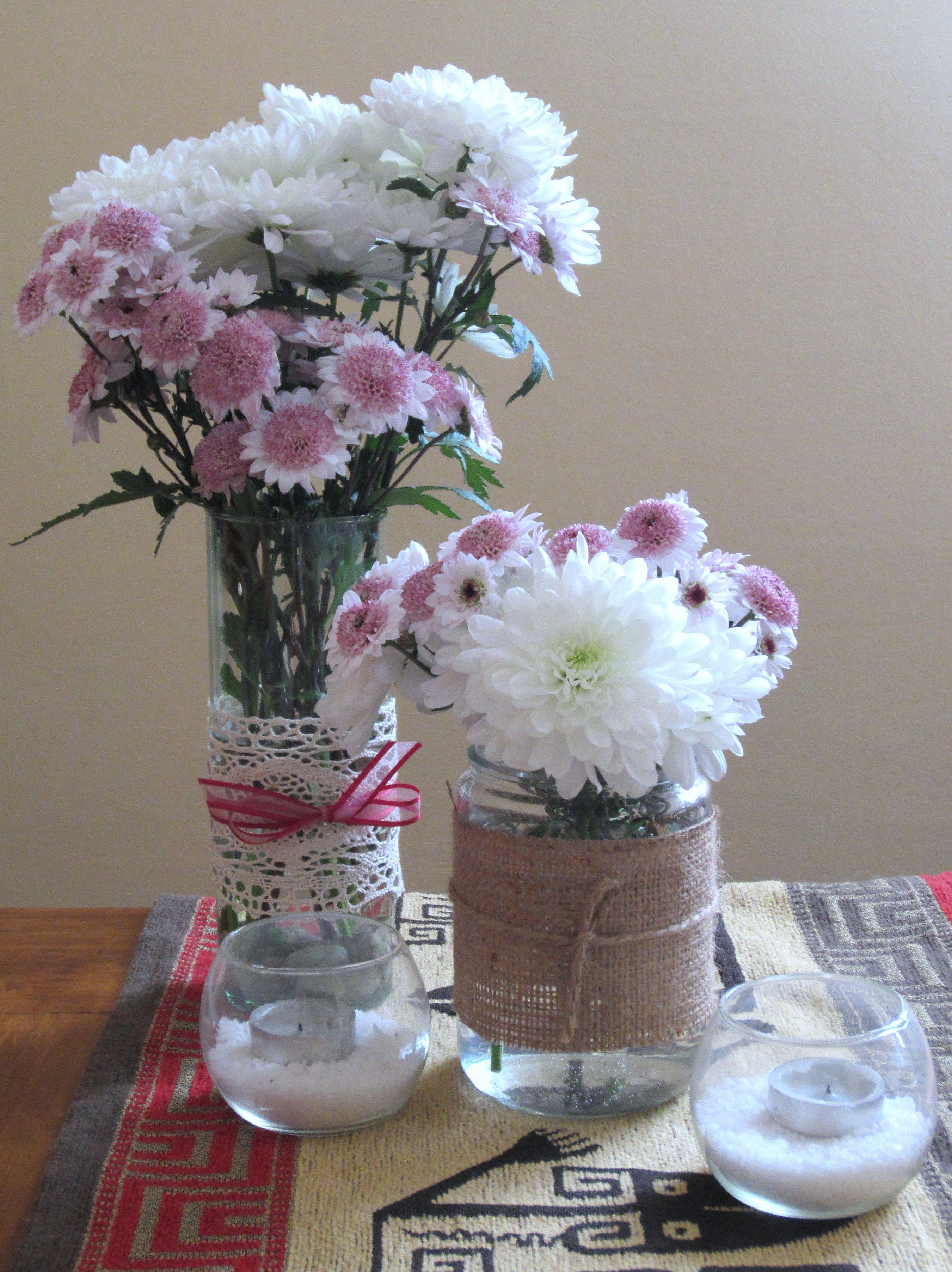 Centro de mesa con frascos flores naturales y velas centros de mesa para eventos sociales y - Centro de mesa con flores ...