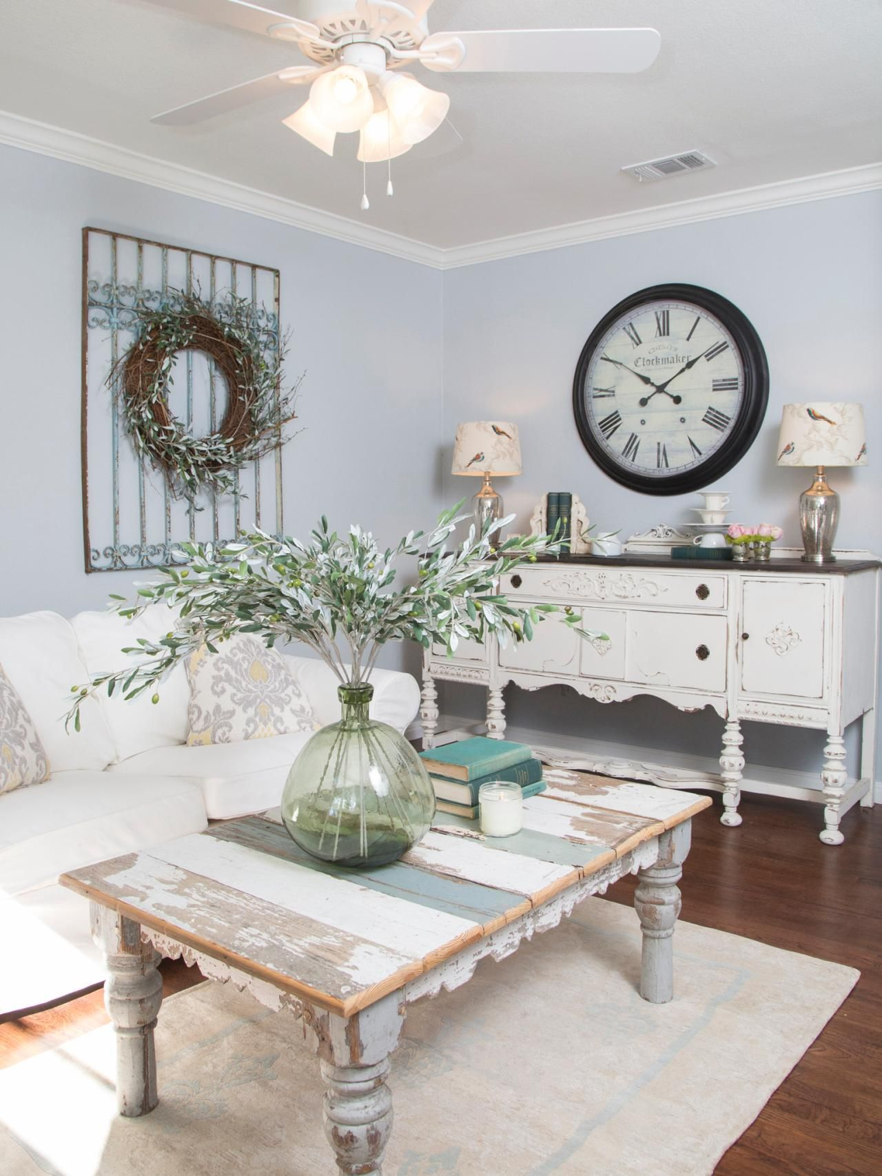 Dekoration wohnzimmer landhausstil  A New Home and a Fresh Beginning for a Texas Mom | Pinterest ...