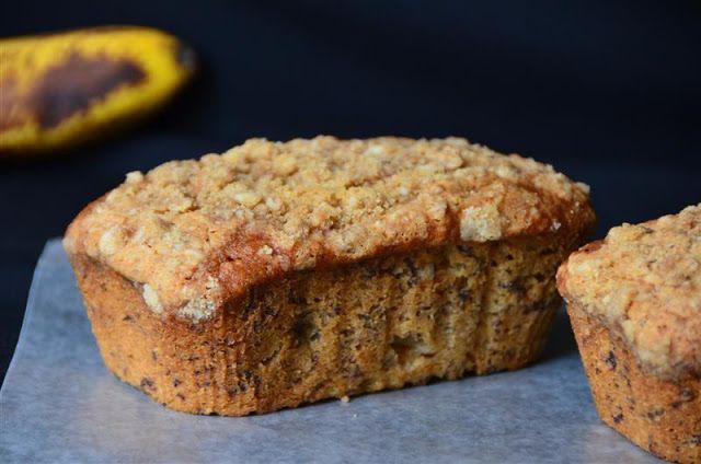Mini Crumb Topped Sour Cream Banana Breads Sour Cream Banana Bread Food Banana Bread