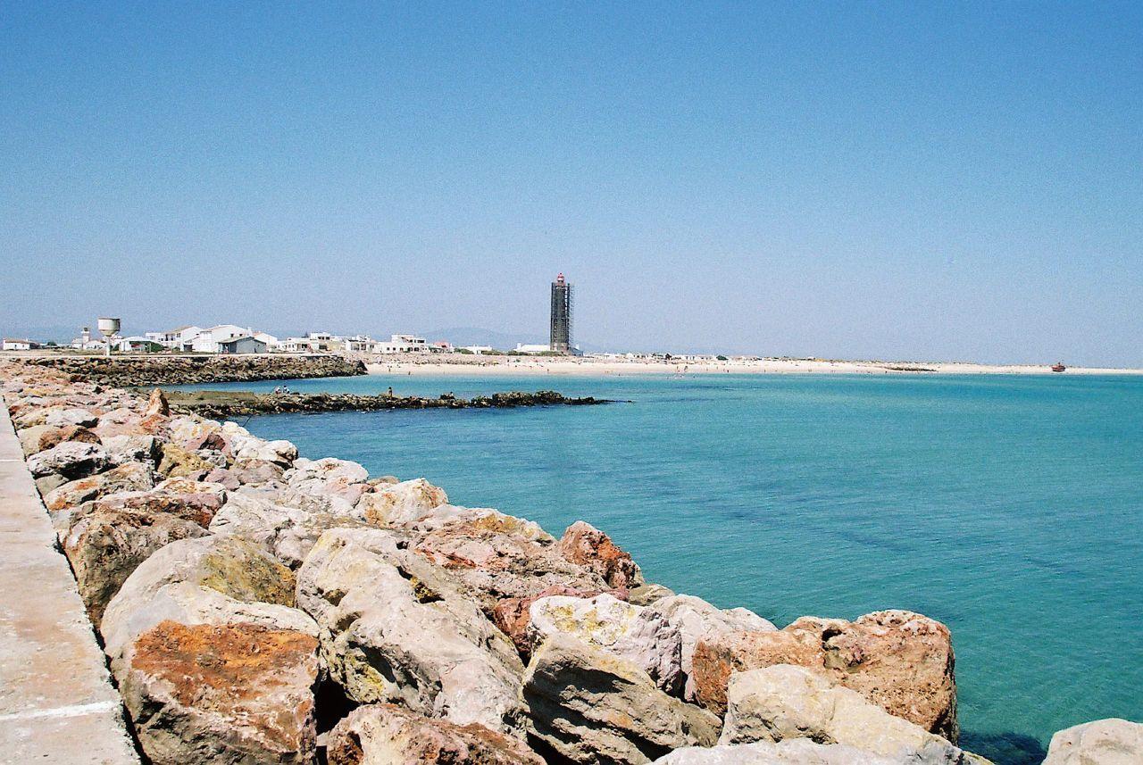 File:Praia do Farol.jpg