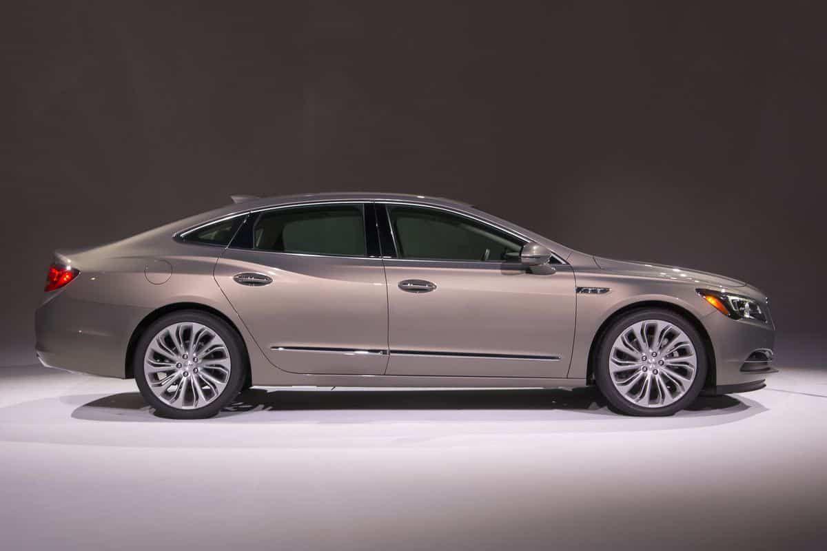 Luxury Sedan Cars Best Photos Luxury Sedan Sedan Cars Buick Lacrosse