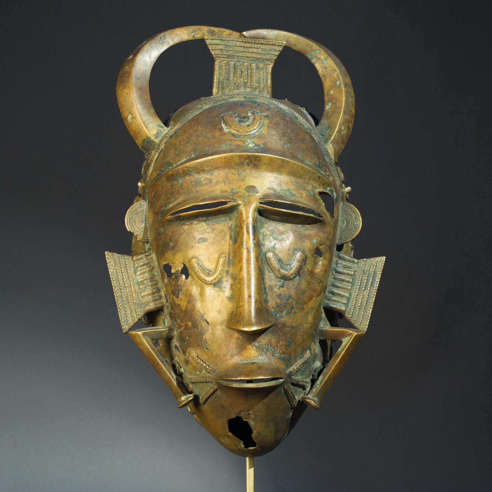 masque de la société du do,  Dioula, Côte d'Ivoire,