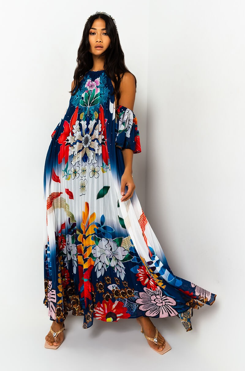 Reach For The Stars Pleated Maxi Dress In Color Blue The Flowy Maxi Dress Spares No Attention To Detail And Is Compl Maxi Dress Pleated Maxi Dress Pleated Maxi [ 1209 x 800 Pixel ]