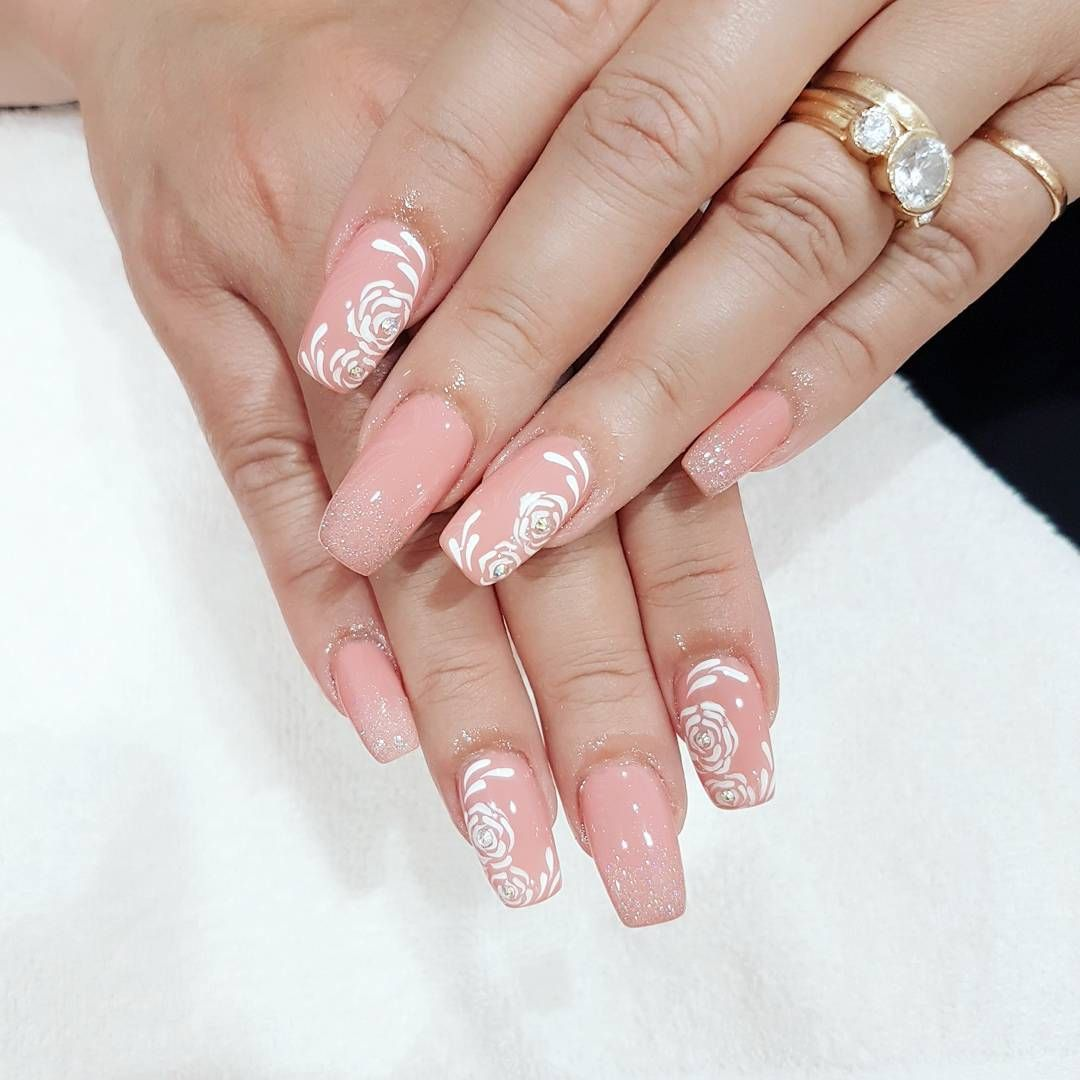 nice 25 Ideas on Pink and White Nails - Spring Inspiration for You Check more at http://newaylook.com/best-pink-and-white-nails/