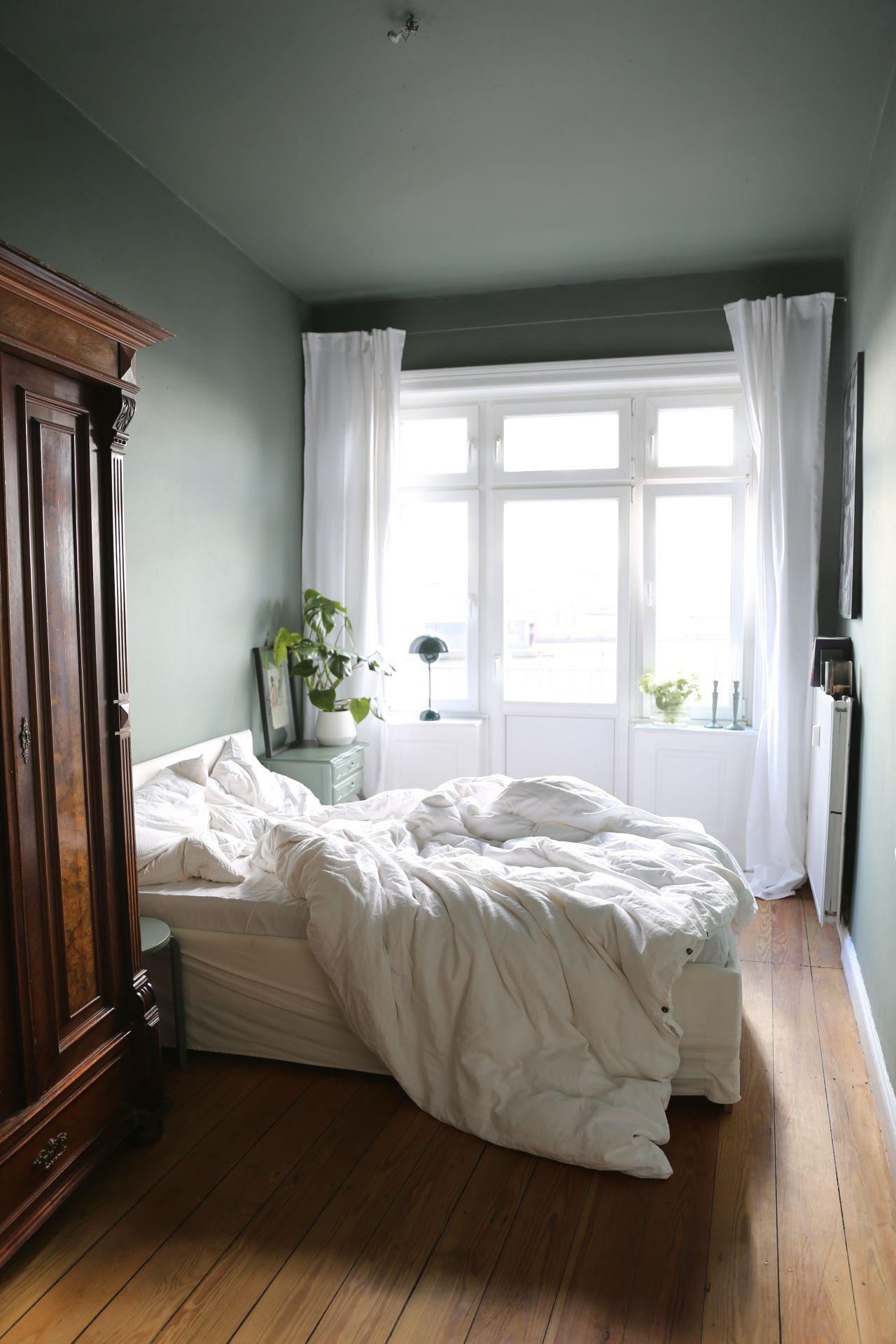 Bedroom Makeover 8211 Neue Farbe Furs Schlafzimmer Elbgestoeber In 2020 Schlafzimmer Design Wohnen Altbau Schlafzimmer