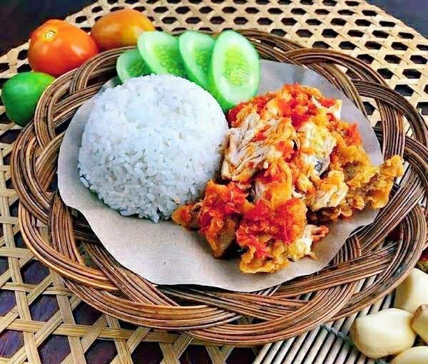 Ayam Geprek Resep Ayam Fotografi Makanan Makanan Dan Minuman