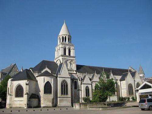 Notre-Dame church, Poitiers, Poitou-Charentes, France www.visit-poitou-charentes.com/en/Futuroscope-Poitiers