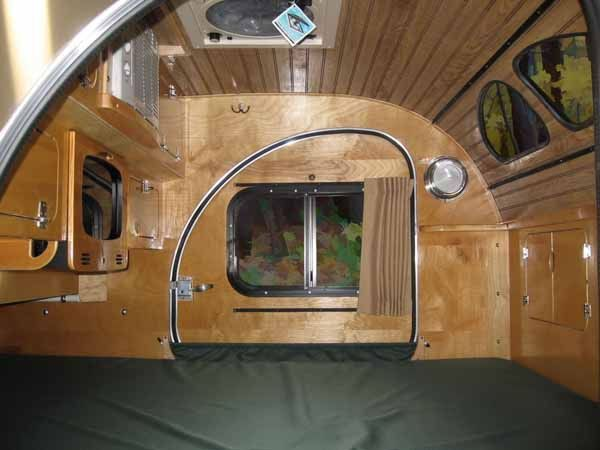 Doors On Each Side Yes A Small Tv And Dvd Player A C And Storage Teardrop Trailer Teardrop Caravan Motorhome Interior