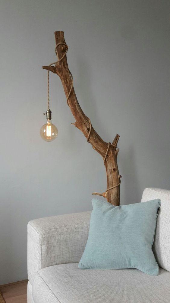 groß Decken Sie einen gebeizten Ast mit einer industriellen Pendelleuchte mit #homedecoraccessories