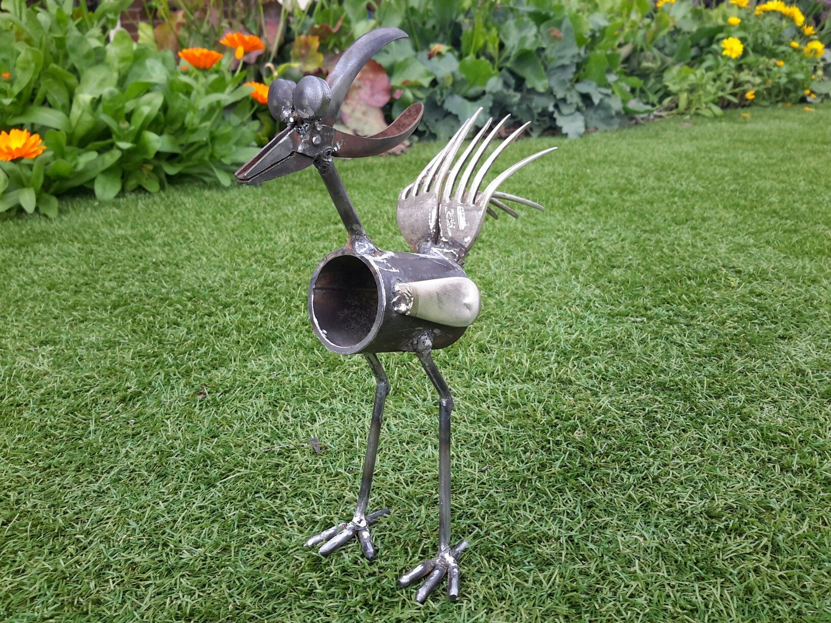 Welded backyard art welding projects pinterest for Yard art ideas