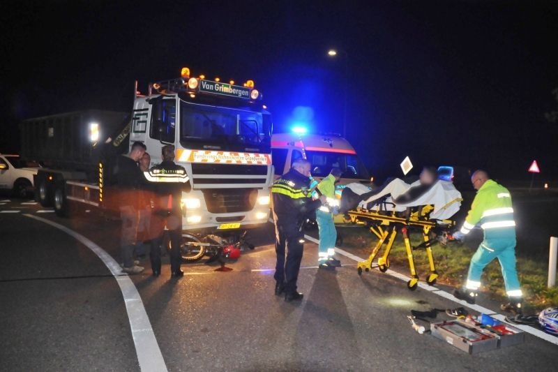 Motorcrosser Geschept Door Vrachtauto Op Oprit A2 Budel Brabant Actueel Concert
