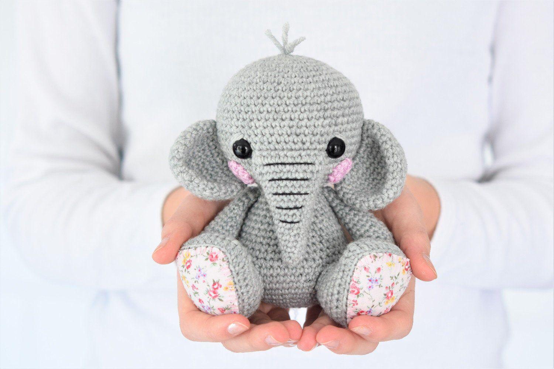 Amigurumi pattern - Lucy the Elephant - crochet elephant - amigurumi elephant - 3 languages