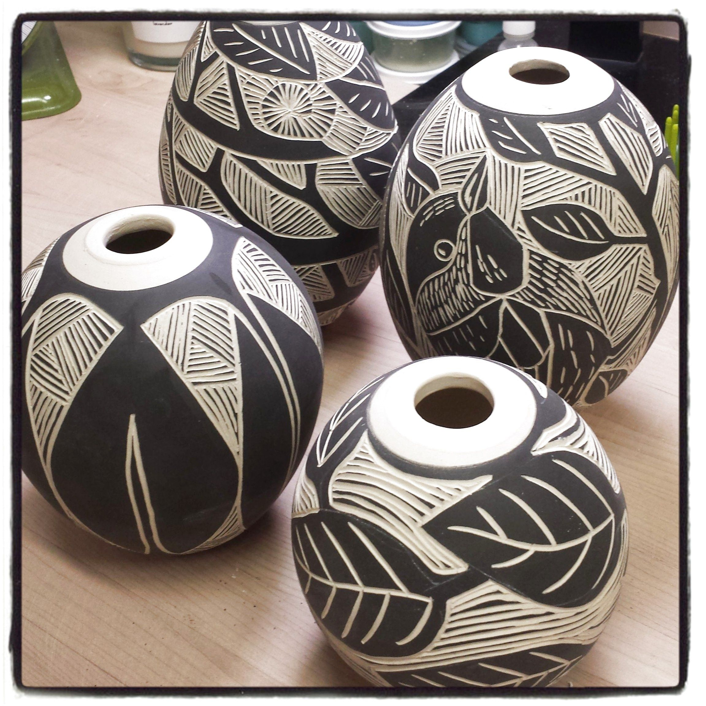 Sgraffito Ceramics Pottery Homedecor Ceramic Homedecorwithpottery Click Now For More Pottery Designs Pottery Sgraffito