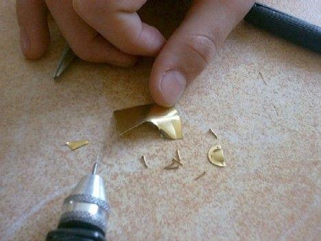 Making Tiny Drawer Pulls Miniatures Tutorials Dollhouse