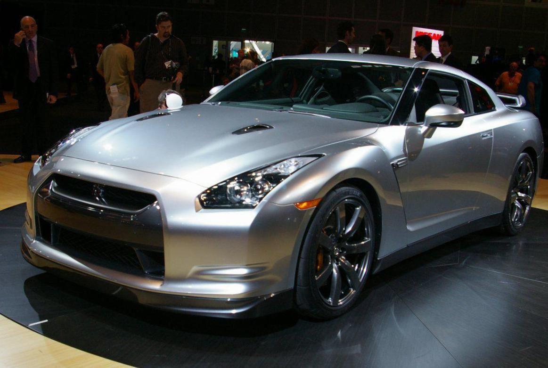 Nissan GTR Photos and Specs. Photo Nissan GTR