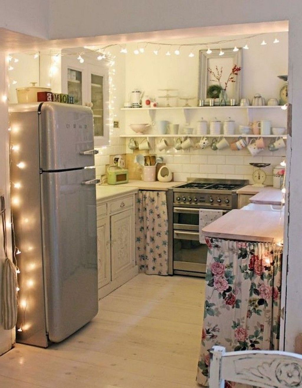 37 Amazing College Apartment Decorating Ideas To Try This Year Kitchen Decor Apartment Small Apartment Kitchen Decor College Apartment Decor