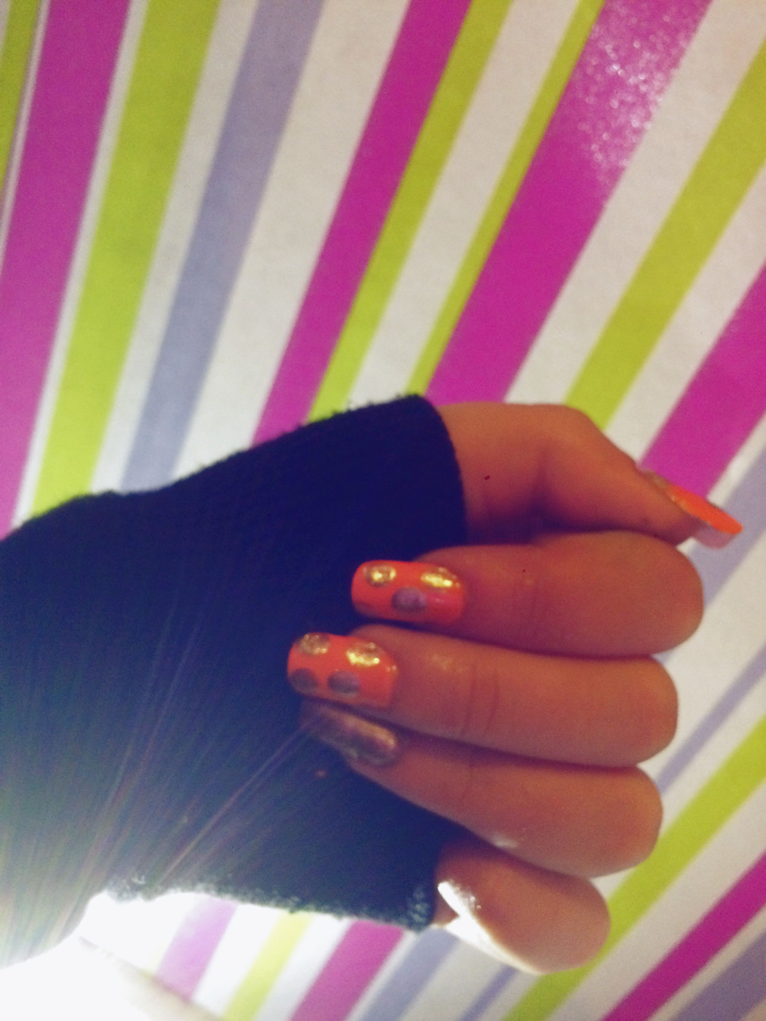 How Cute Is This Nail Design P S I Do Have A Pinky Just My Zipper