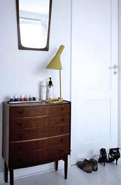 Via Woonblog | Midcentury | Arne jacobsen lamp