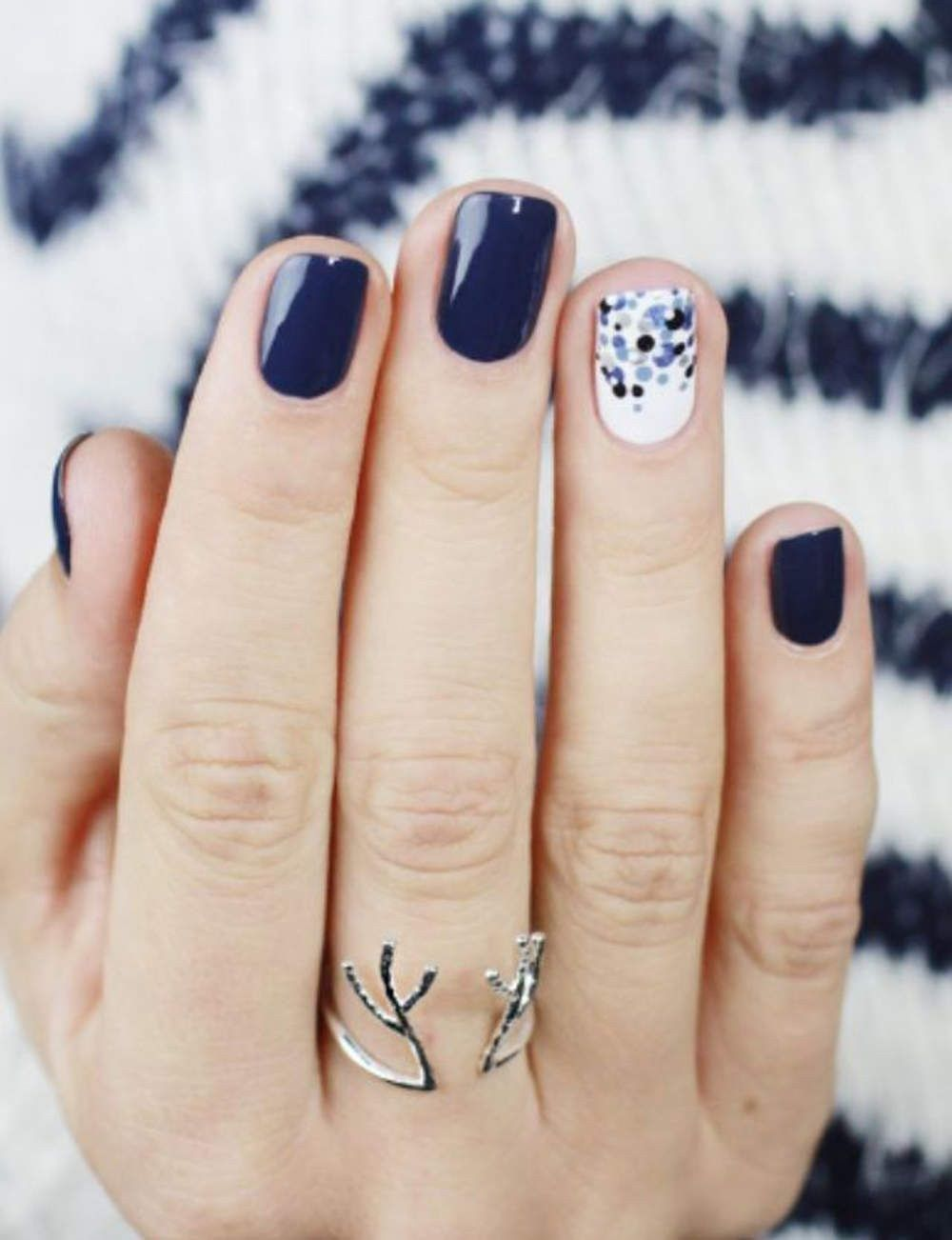 Brilliant And Stunning Winter Nail Art Design Ideas You Must