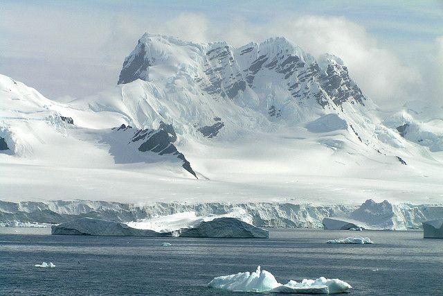Antarctica  Paradise Bay, Antarctic Peninsula.
