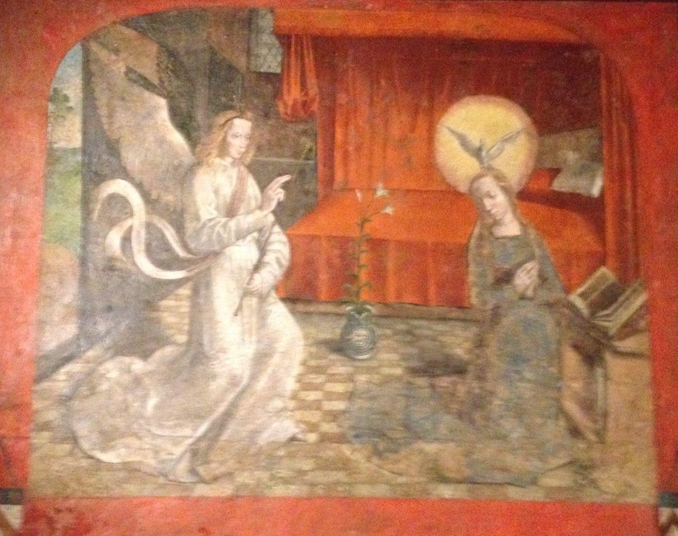 kon.museum brussel, op een soort kast. mooi die 'duif' op het hoofd van maria..