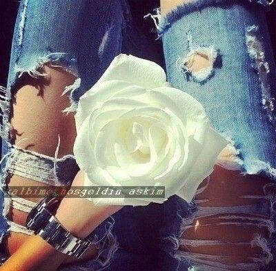 Pin By Kalbime Hosgeldin Askim On Qiz Ve Gul Sekilleri Flower Fashion Flowers Roses Are Red Violets Are Blue