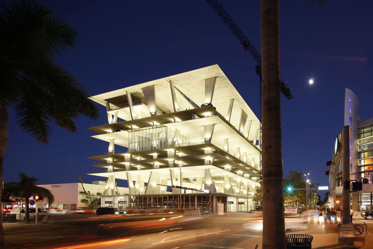 Miami S Incredible 65 Million Wall Free Parking Garage Lincoln Road Parking Garage Architecture