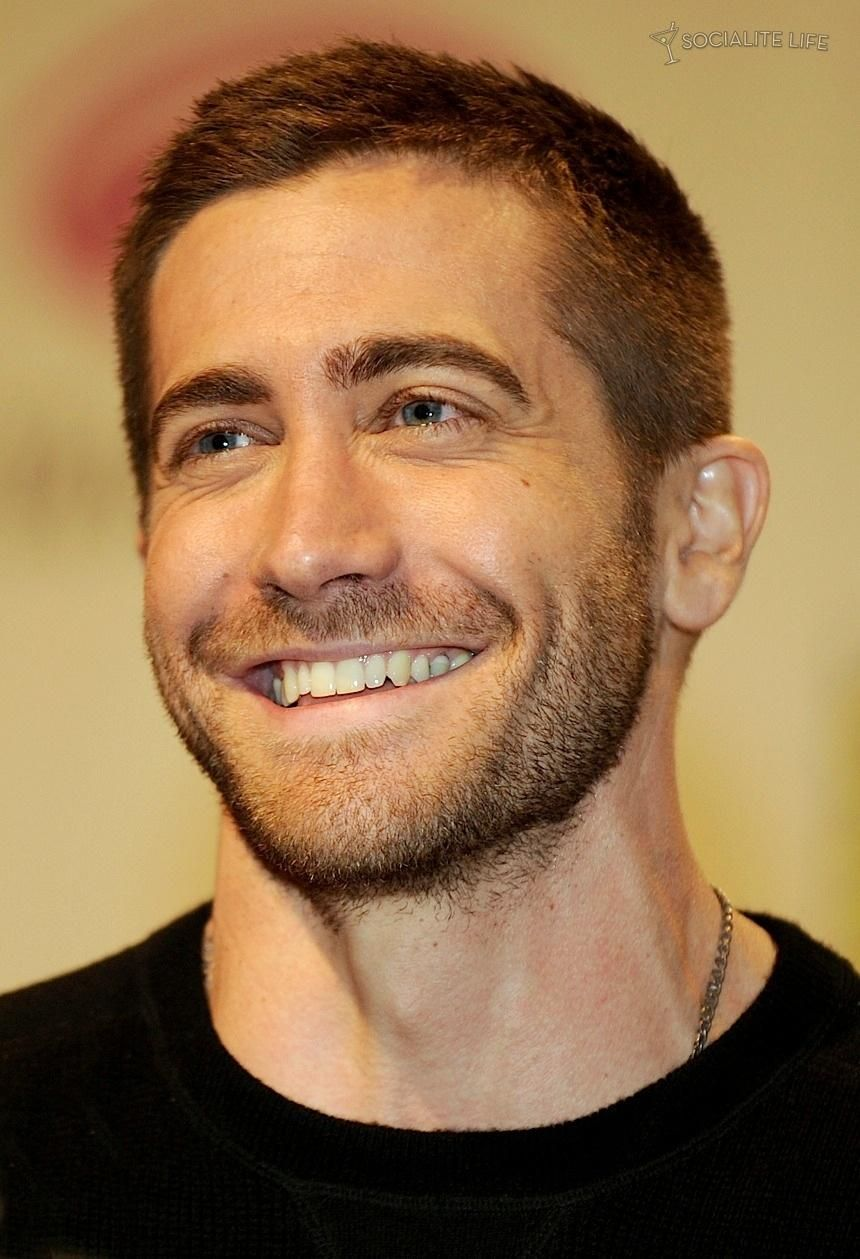 Jake Gyllenhaal Another smile that just kills me. ️ | Hot ...