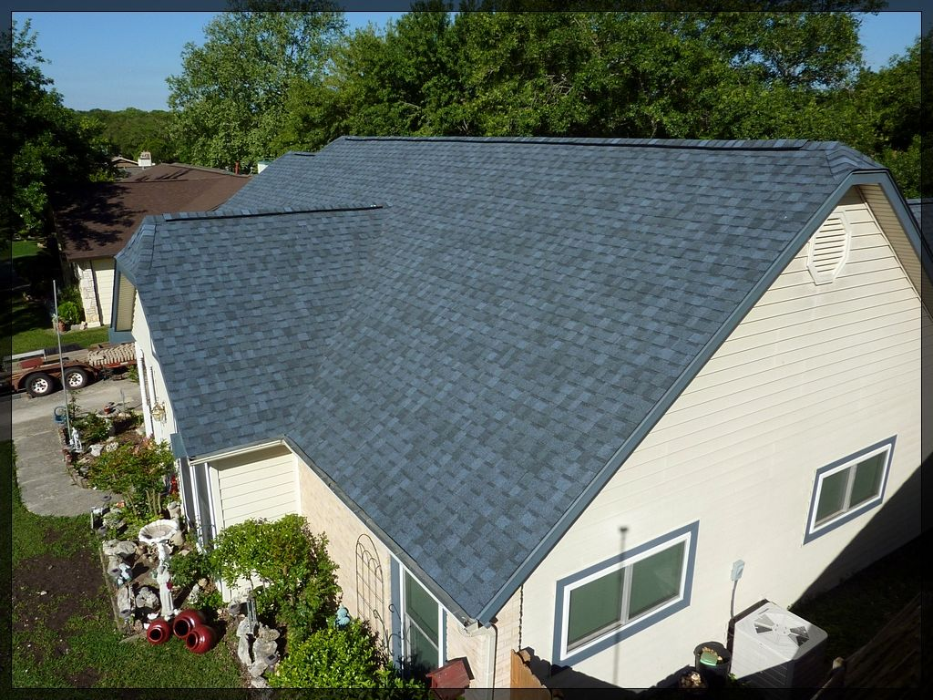 Best Atlantic Blue House Exterior Shingle Colors House Roof 400 x 300