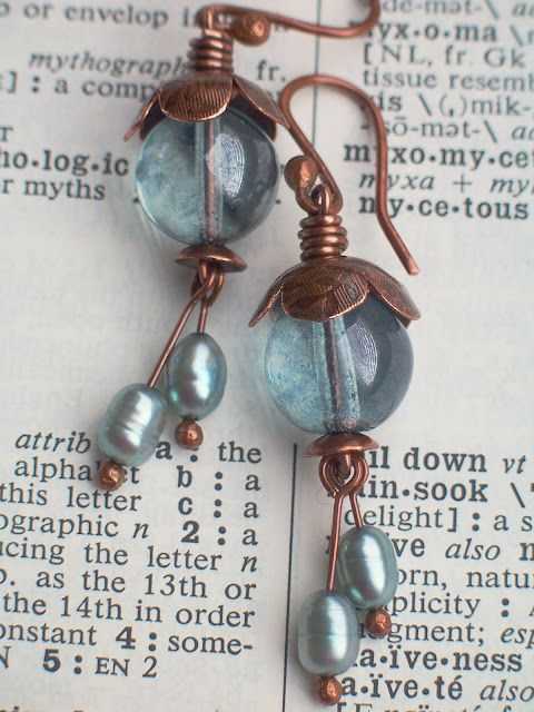 Love the coloring!    (Simple wire earrings. I always did love copper)