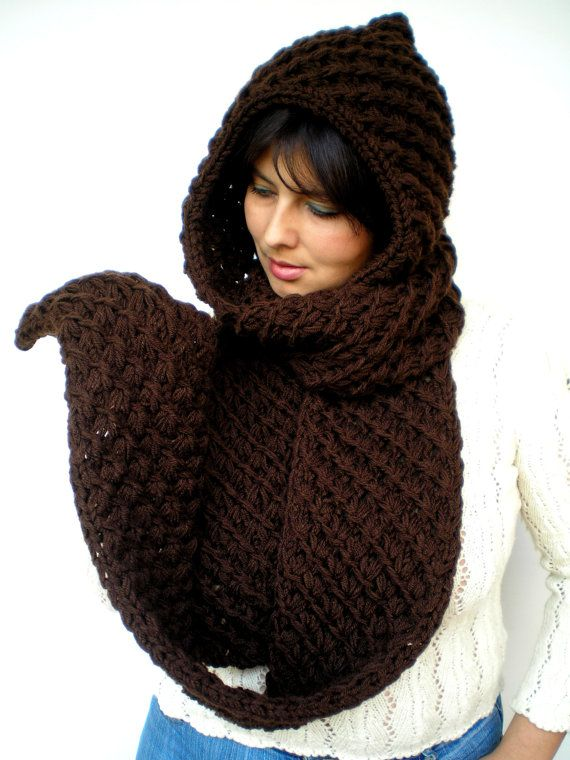Chocolate Star Extralong hooded Scarf Hand Knitted  por GiuliaKnit, $85.00