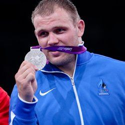 Heiki Nabi nappasi eilen Virolle Lontoon Olympialaisten ensimmäisen mitalin, kun hän sijoittui miesten 120kg kreikkalais-roomalaisessa painissa hienosti toiseksi. Finaalissa Nabi hävisi Kuuban Mijaín López Núñezille, joka on lajin nelinkertainen maailmanmestari ja vuoden 2008 olympiavoittaja.