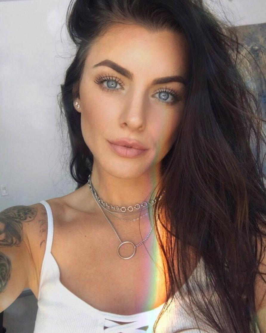 Hotsexytattos Gorgeous Eyes Brunette Blue Eyes Dark Hair Blue Eyes