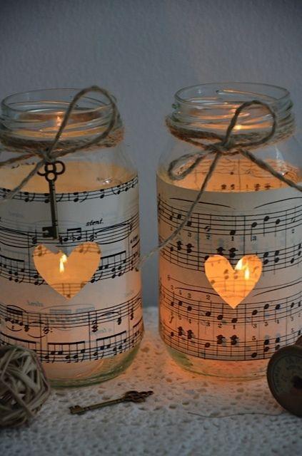 Wickeln Sie Ihr Glas mit dem Notenblatt zu Ihrem Lieblingslied – Hochzeit ideen