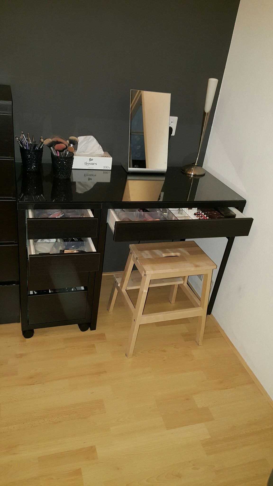 Dressing table Ikea Micke desk and drawer with