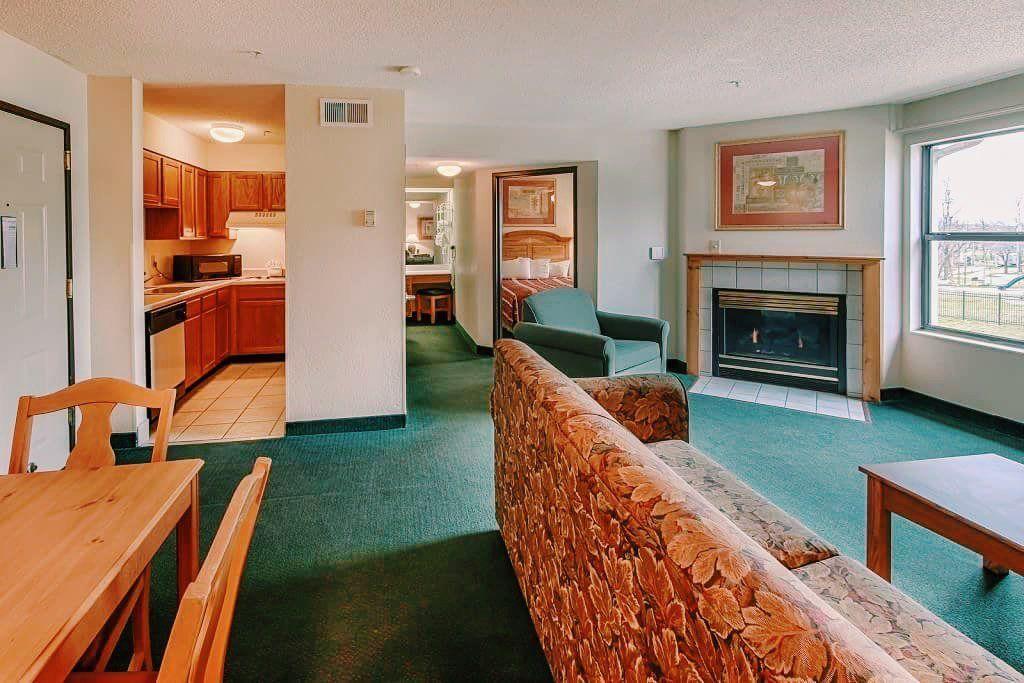 All Season Suites Pigeon Forge Hotel 1 2 Bedroom Suites Bedroom Suite Suites 2 Bedroom Suites