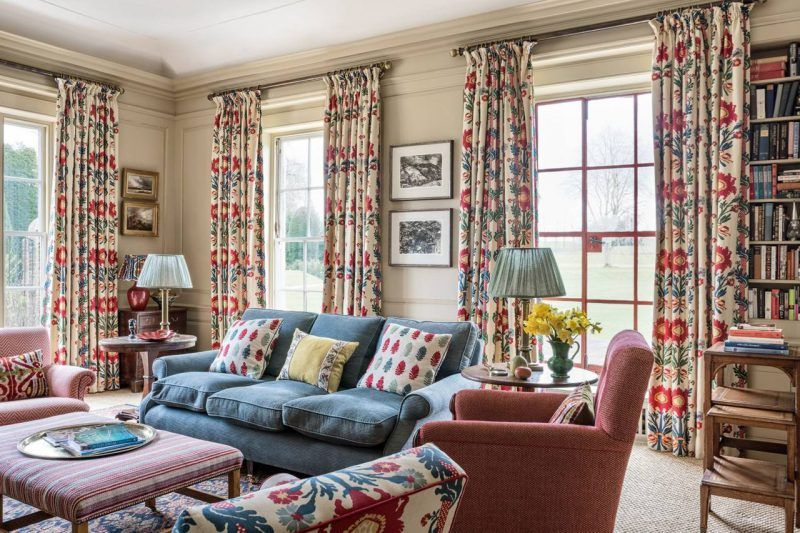 An Old Fashioned English Country House Home Decor English Decor
