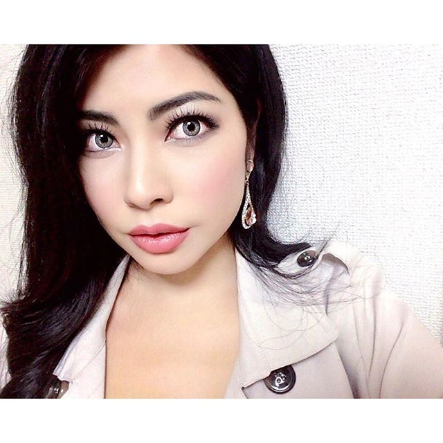 2016/11/04 03:37:37 missjapan_rio 🙈🙈🙈💗💗💗 Eyeshadow: gray @rimmellondonus  Mascara: @heroinemake  BB cream: @maybelline  Contor/highlighter/cheeks: @itcosmetics  Lipgloss : nude @milanicosmetics  Contracts: @freshlookcontacts #makeup #makeupdolls #makeupbyme #makeupaddict #makeupjunkie #cosmetics #model #actress #beauty #makeuplover #fashion #instamakeup #instafashion #モデル #メイク #ヘアメイク #美容 #コスメ #メイクアップ #ファッション #makeupoftheday #instagood #instamakeup #maybelline #rimmel #milanicosmetics…
