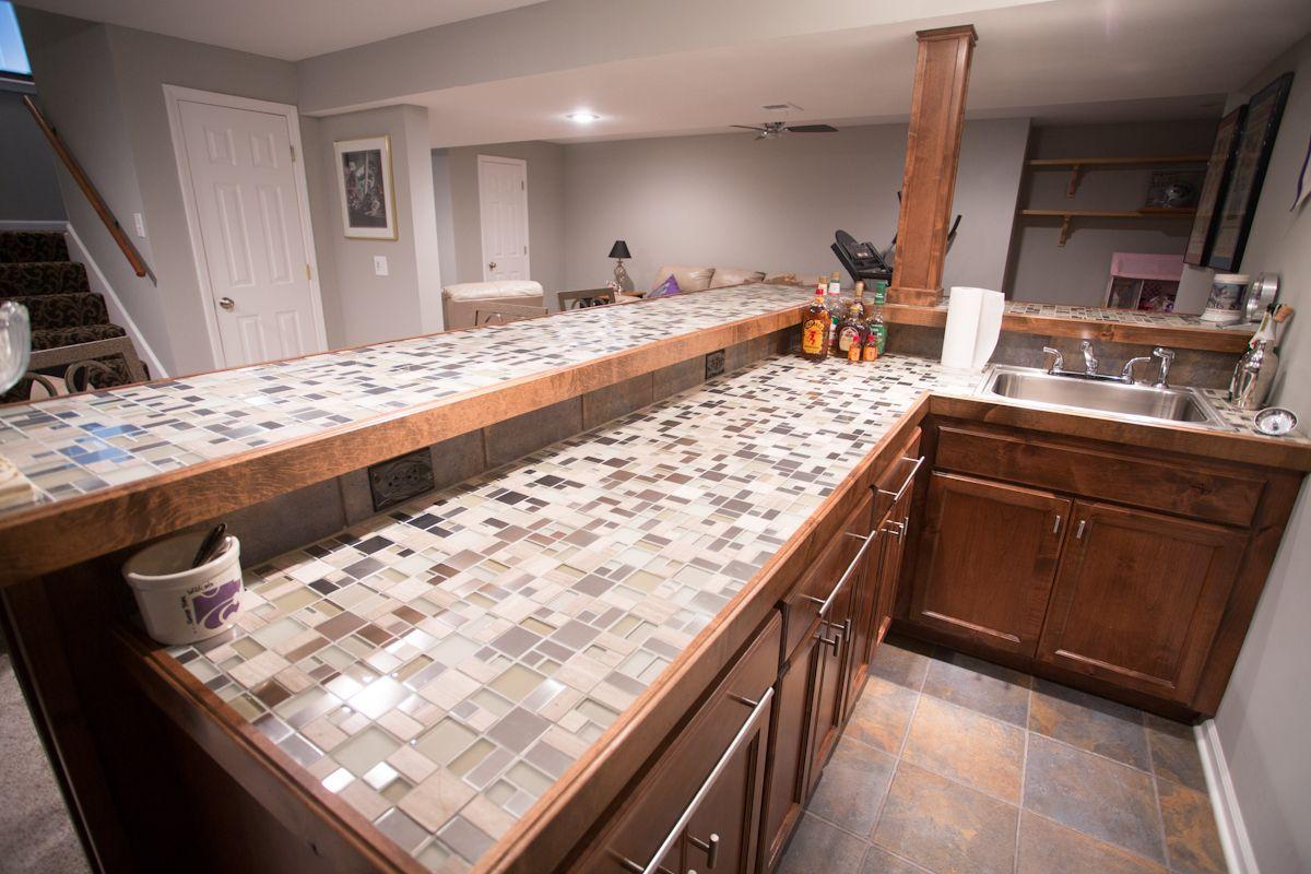 Beau Glass Tile Top Bar