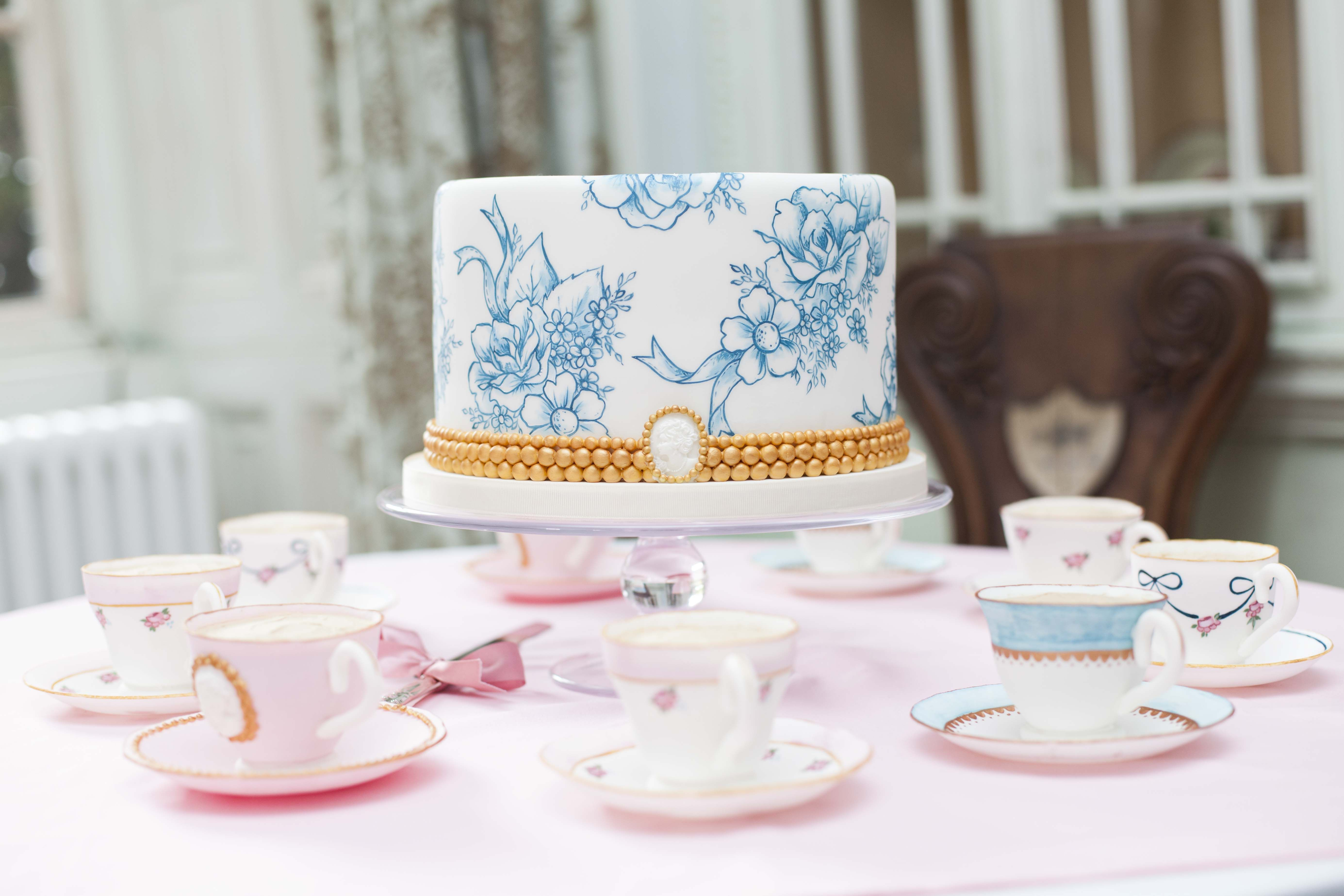 hand painted wedding cake. Toile du joiy wedding cake. blue and ...